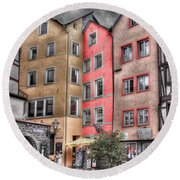 Tricolor Houses Round Beach Towel