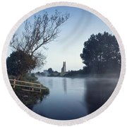 Trim Castle Along Banks Of The River Round Beach Towel