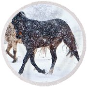 Trotting In The Snow Round Beach Towel
