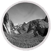 Tunnel View  Round Beach Towel