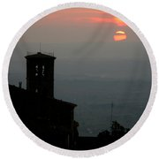 Tuscan Sunset Over Cortona Italy Round Beach Towel