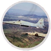 Two F-5e Tiger IIs In Flight Round Beach Towel