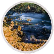 Union Creek In Autumn Round Beach Towel