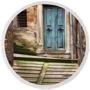 Urbino Door And Stairs Round Beach Towel