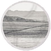 U.s. Alt-89 At Vermilion Cliffs Arizona Bw Round Beach Towel