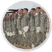 U.s. Army Soldiers And Recipients Round Beach Towel