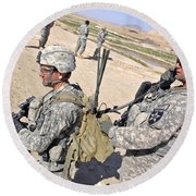 U.s. Army Soldiers Call In An Update Round Beach Towel
