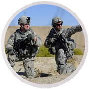 U.s. Army Soldiers Familiarize Round Beach Towel by Stocktrek Images