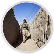 U.s. Marine Sweeps An Alleyway Round Beach Towel