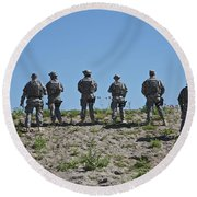 U.s. Soldiers Looking Over The Side Round Beach Towel