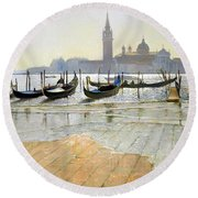 Venice At Dawn Round Beach Towel