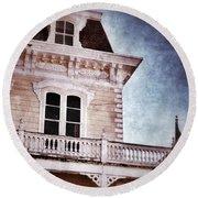 Victorian House Round Beach Towel
