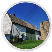 Vintage American Barn And Silo 1 Of 2 Round Beach Towel