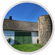 Vintage American Barn And Silo 2 Of 2 Round Beach Towel