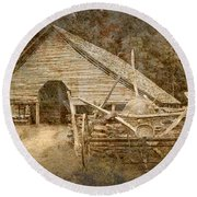 Vintage Looking Old Barn In The Great Smokey Mountains Round Beach Towel