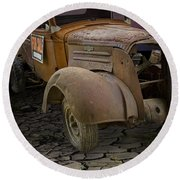 Vintage Pickup On Parched Earth Round Beach Towel