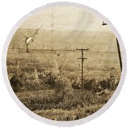 Vintage View Of Ontario Fields Round Beach Towel