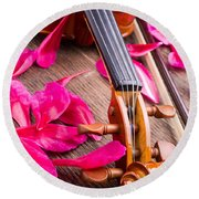 Violin And Roses Round Beach Towel
