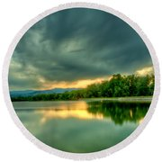 Warren Lake At Sunset Round Beach Towel