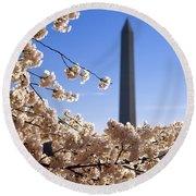 Washington Monument Cherry Trees Round Beach Towel