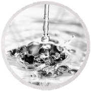 Waterdrop16 Round Beach Towel