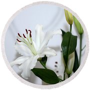 White Lily With Buds Round Beach Towel