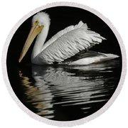 White Pelican De Round Beach Towel