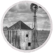 Windmill And Shack Round Beach Towel