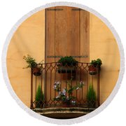 Window And Balcony In Vicenza Round Beach Towel