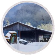 Winter Shed Round Beach Towel