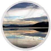Wood Lake Mirror Image Round Beach Towel