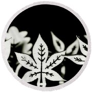 Wooden Leaf Shapes In Black And White Round Beach Towel