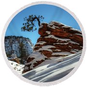 Zion National Park In Winter Round Beach Towel