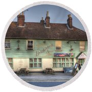 The Bricklayers Arms New Hythe Round Beach Towel