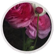 Three And A Half Blooms Round Beach Towel