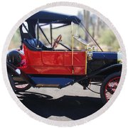 1911 Ford Model T Torpedo Round Beach Towel