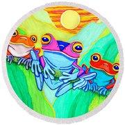 3 Little Frogs Round Beach Towel