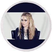 83110 Blonde Jacket Sitting Simple Background Hazel Eyes Hilary Duff Women Round Beach Towel