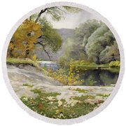 Autumn Landscape In The Vicinity Of Eshar Round Beach Towel