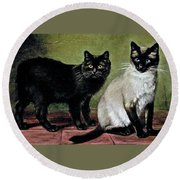 Black Manx And Siamese Cats Round Beach Towel
