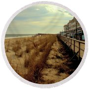 Boardwalk In Winter Round Beach Towel