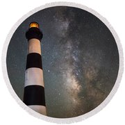 Bodie Island Lighthouse Milky Way Round Beach Towel
