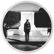 Changing Of The Guard At The Tomb Of The Unknowns At Arlington Round Beach Towel