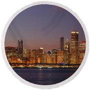 Chicago Skyline At Dusk Panorama Round Beach Towel
