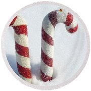 Christmas Candy Canes On Real Snow Round Beach Towel