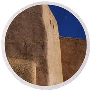 Church Taos Nm Round Beach Towel