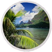 Cooks Bay With Sailboat Round Beach Towel