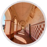 Corridor And Arches Round Beach Towel
