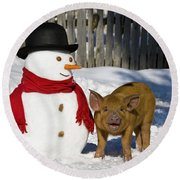 Curious Piglet And Snowman Round Beach Towel