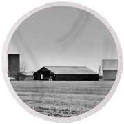 Dairy Farm In Dixon Round Beach Towel